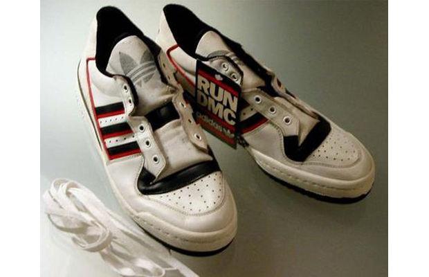 Продать старые кроссовки